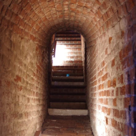 Castle Brick Tunnel, Pentax K-5, smc PENTAX-FA 28-80mm F3.5-5.6 AL