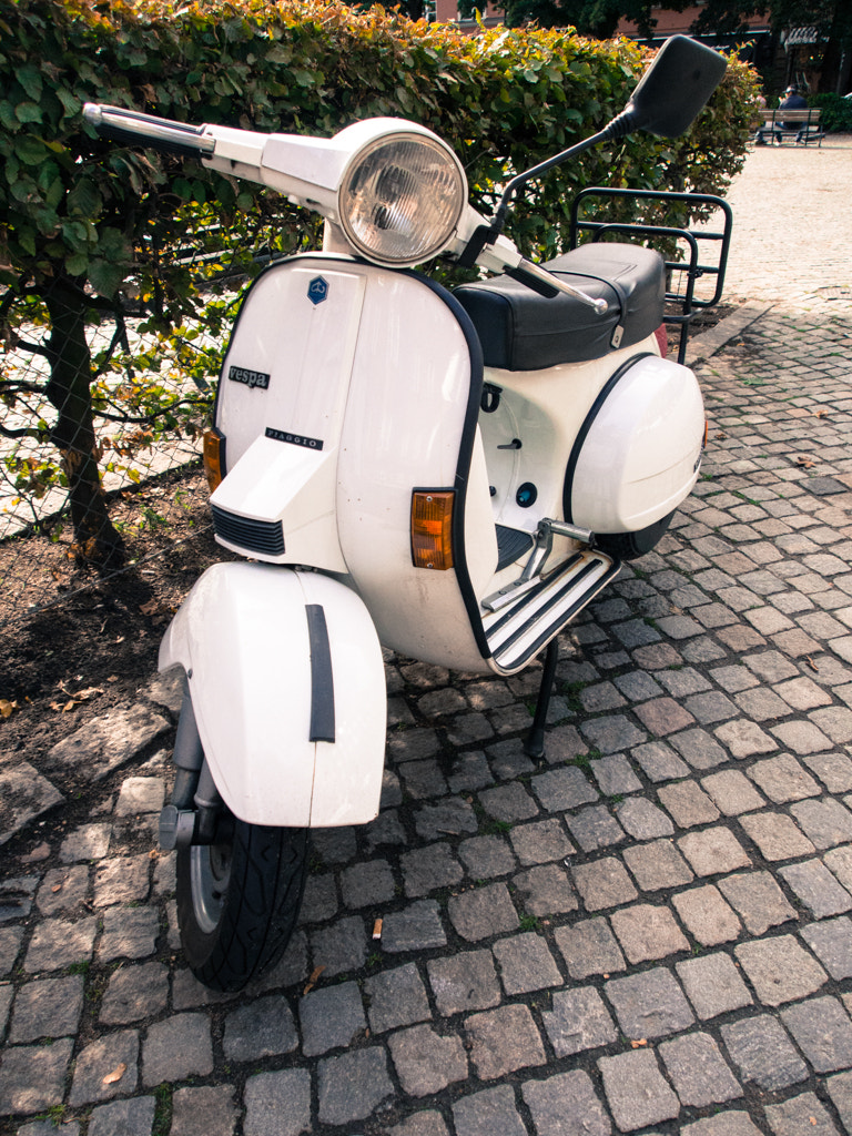 Photograph Vespa 1 by Sebastian Bencsik on 500px