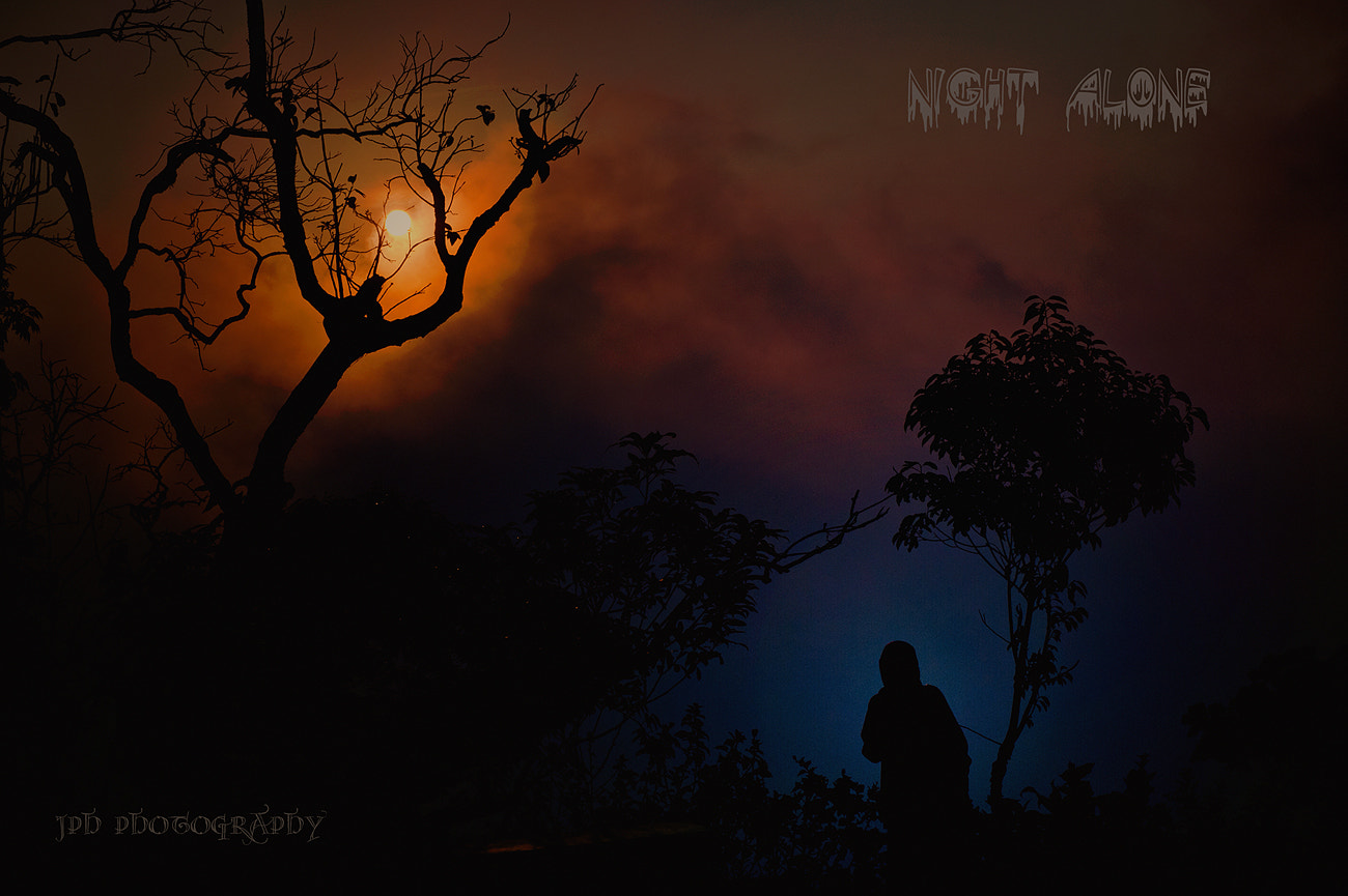 Photograph Night Alone!  by Jakkaphan Hirunviriya on 500px