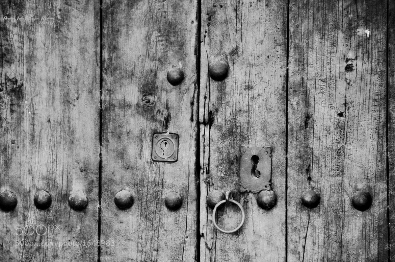 Photograph Door by Andrés J. Márquez on 500px