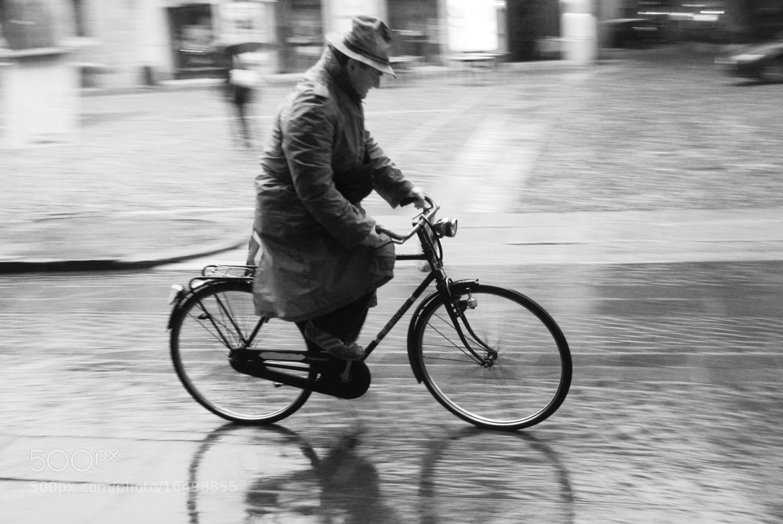 Photograph man in the rain  by oshri anidjar on 500px