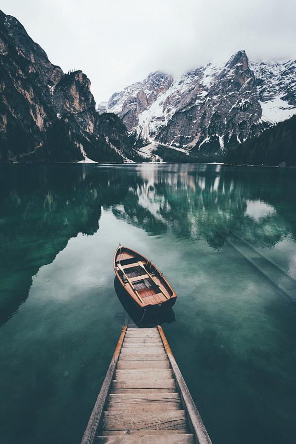 Lost on the lake. by Johannes Hulsch