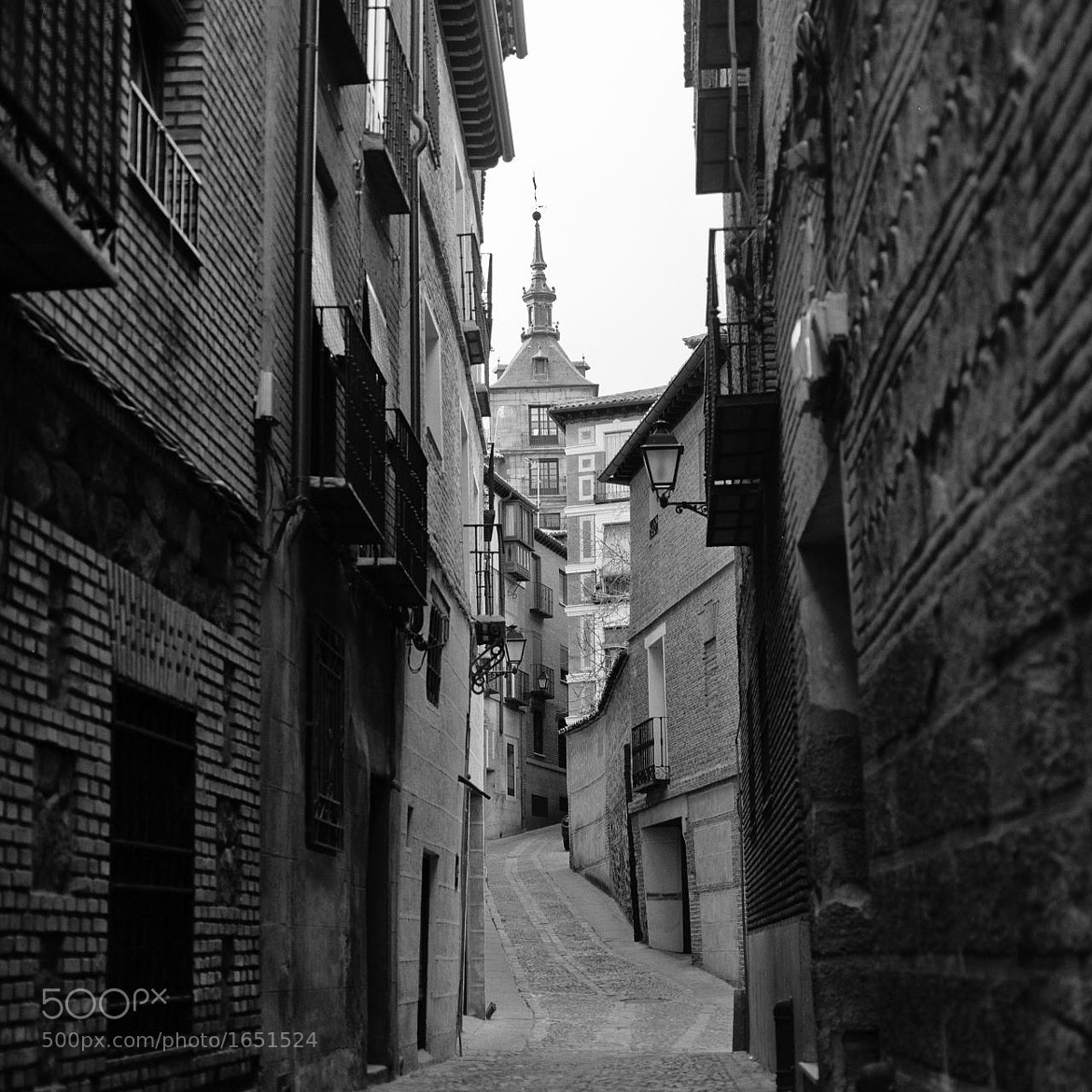 Photograph Callejón de Toledo by Isi Hernández on 500px