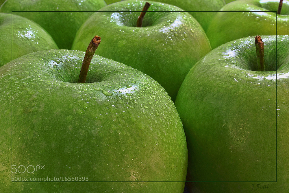 Photograph Manzanas Verdes by Juan Real on 500px