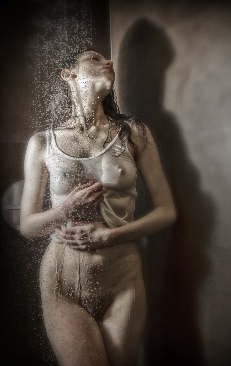 Photograph Shower Frozen in time by Abba Shapiro on 500px