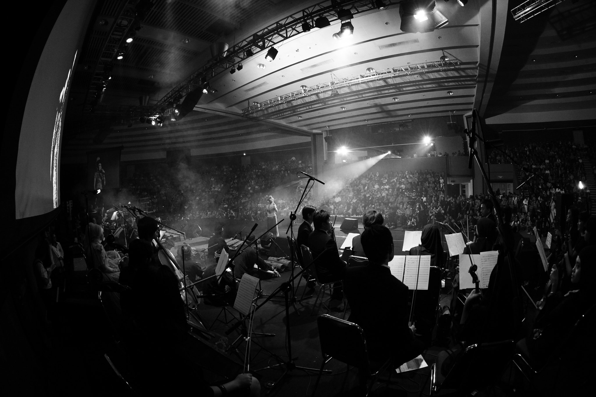 Photograph konser tunggal nining meida by cipta Himawan on 500px