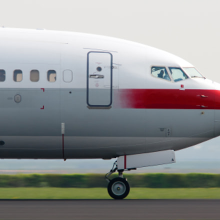 Privatair 737 landing at Schiphol
