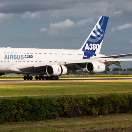 Airbus A380 test flight landing at Schiphol