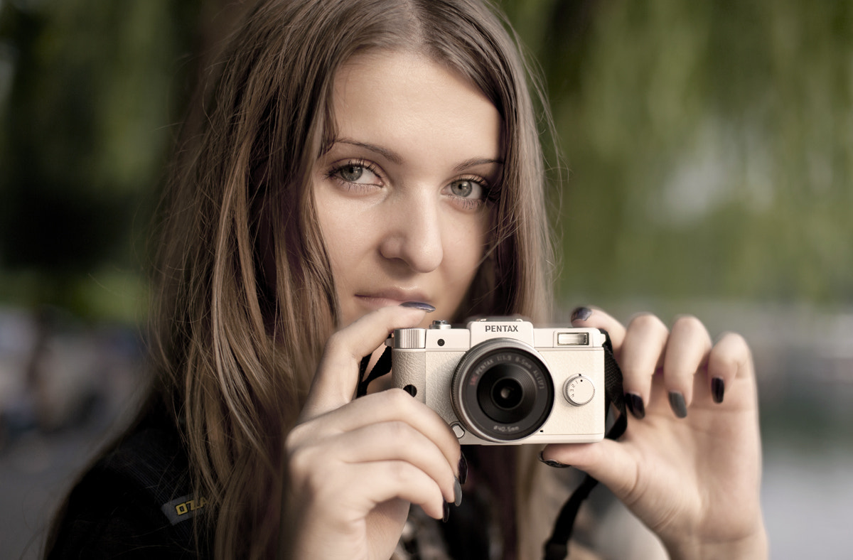 Photograph Camera and girl by Zhang Rui  张睿 on 500px