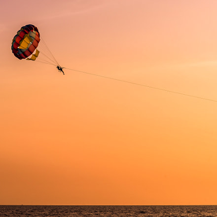 Parasailing during sunset, Sony SLT-A99, Tamron SP 70-300mm F4-5.6 Di USD