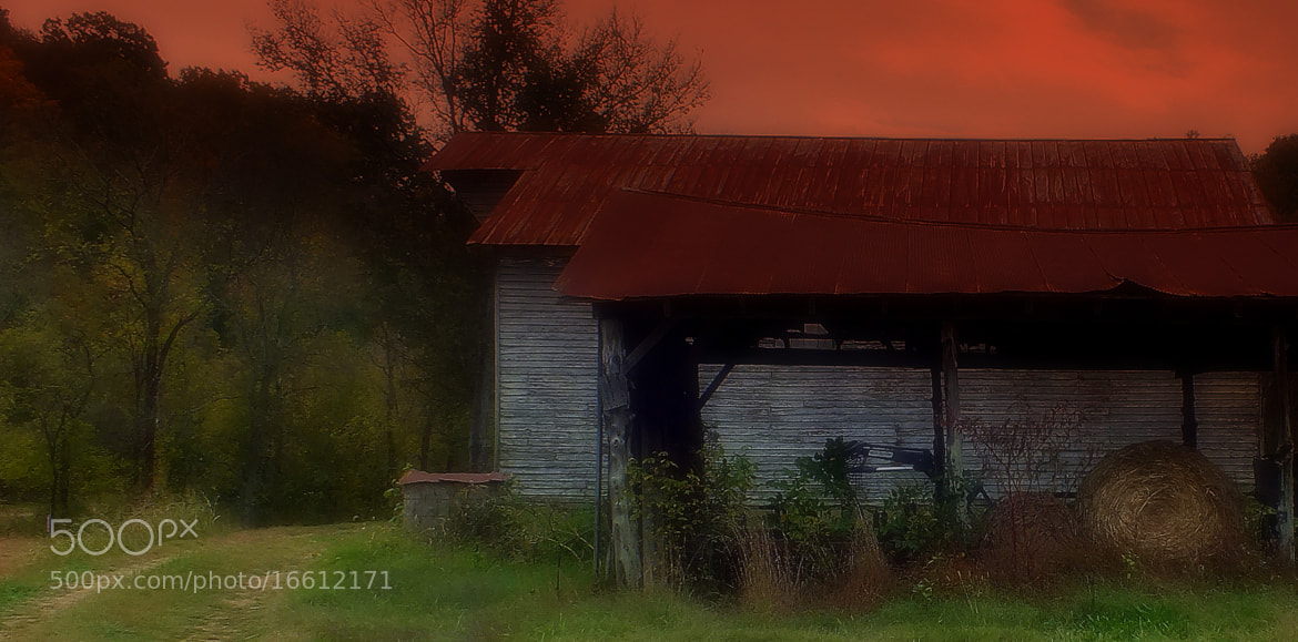 Photograph Haunted barn by Michelle Richardson on 500px