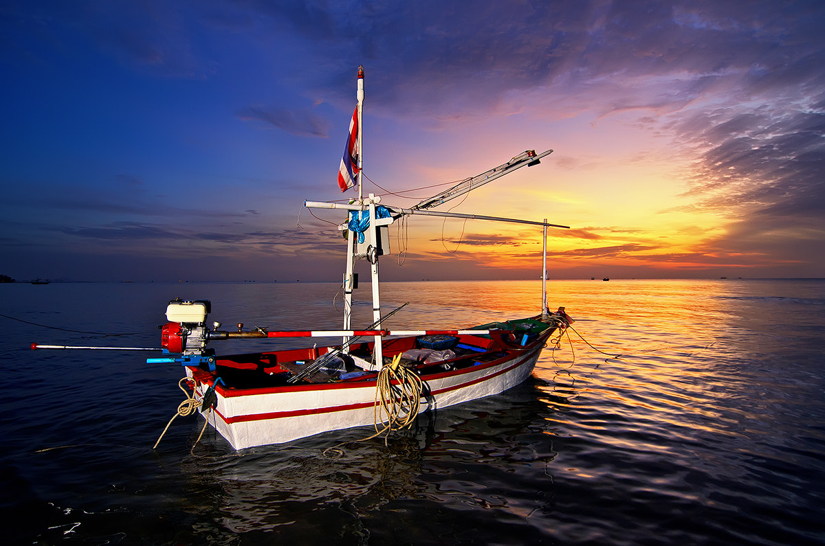 Photograph Sunrise and fishing boats @ Huahin by SaSsY WiTCH on 500px