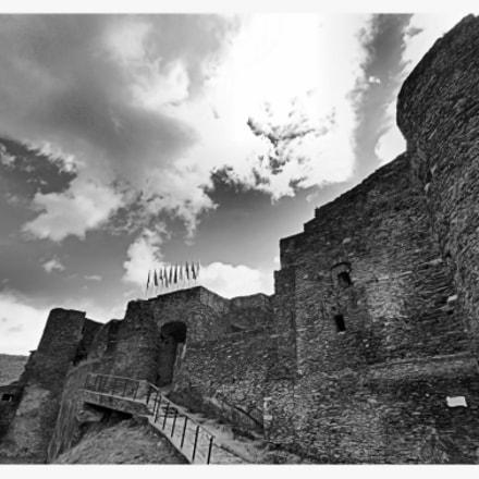 Castle Laroche-en -Ardenne  B/W
