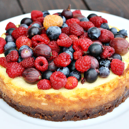Mascarpone cheesecake with forest, Canon EOS 1000D