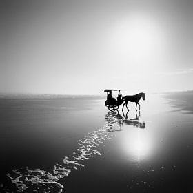 Travel Photography: Parangtritis by Hengki Koentjoro