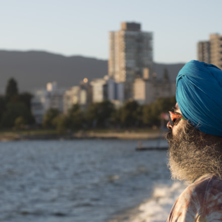 Man watching Vancouver Sunset, Panasonic DMC-GH4