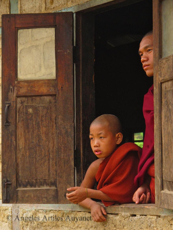 Photograph Monks, Kalaw, Myanmar (Burma) by Ángeles A. Auyanet on 500px