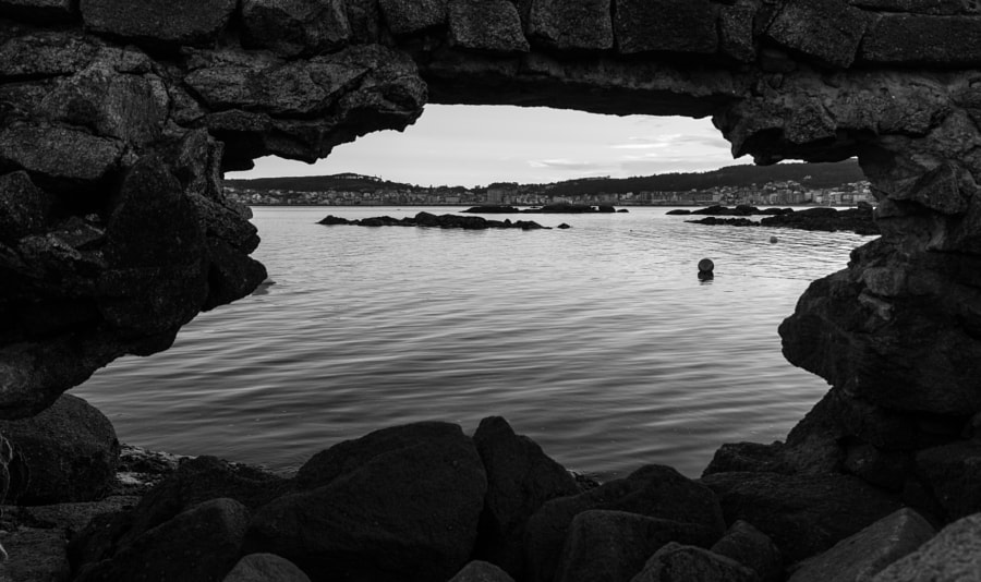 From the hole in the harbour - B&W