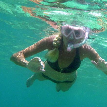 always swim in Pairs