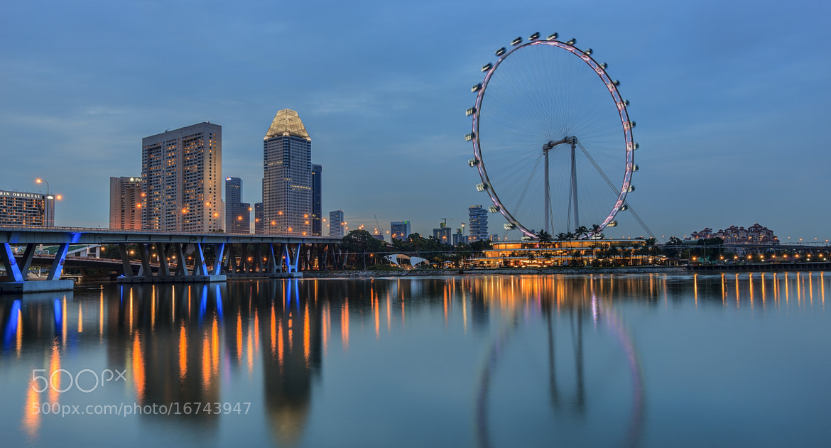 Photograph World largest wheel(Singapore Flyer) by Andy Sim on 500px