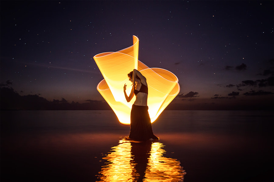 Light-painting at Lovina beach by Eric  Paré on 500px