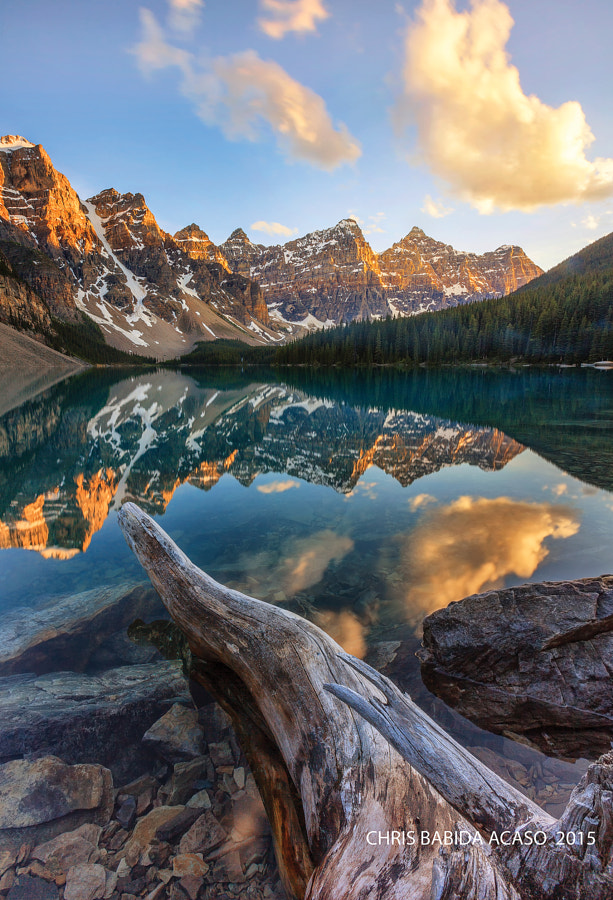 """Moraine Lake and the valley of the ten peaks"""".."""