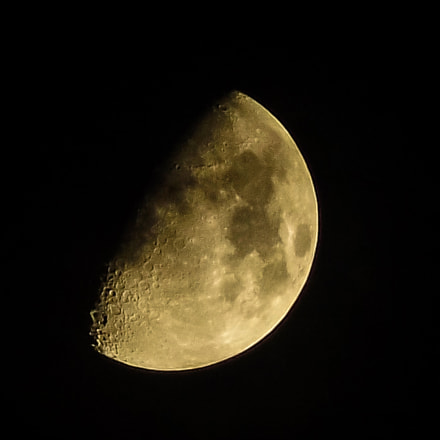My first moon, Fujifilm FinePix S4830/Walmart