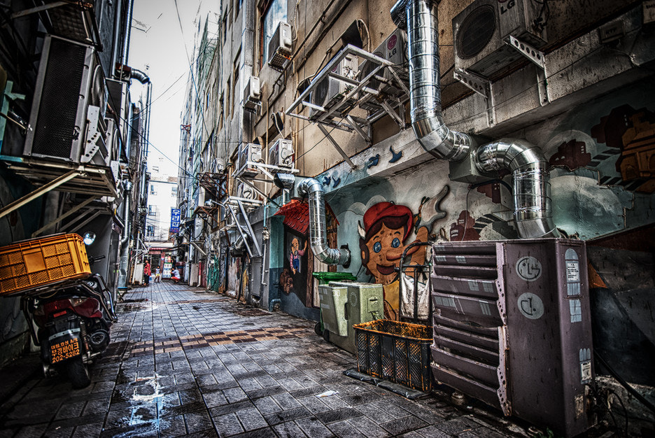 Photograph mural paintings street by LEE GEON on 500px