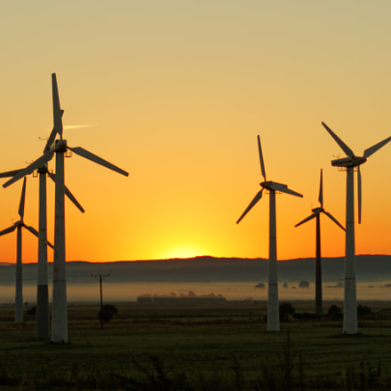 windmills at dawn, Sony SLT-A58, Tamron 70-300mm F4-5.6 LD