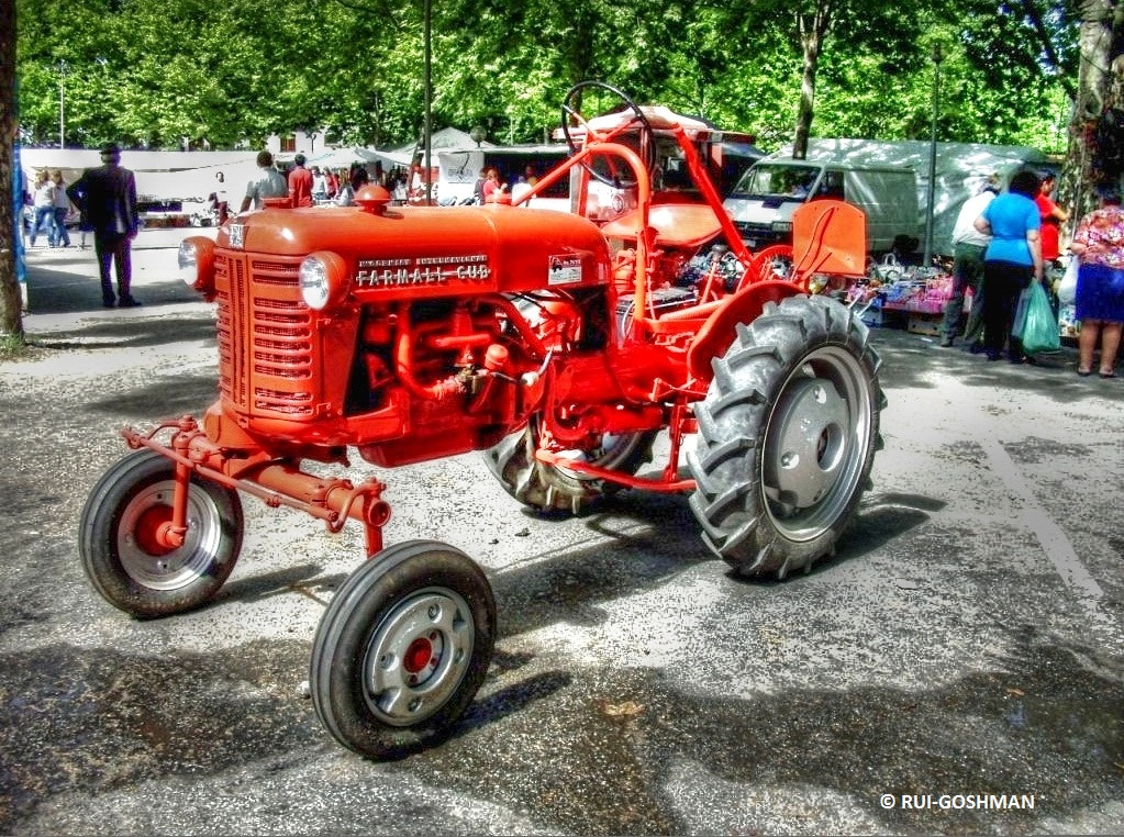 Photograph tractor by Rui Goshman on 500px