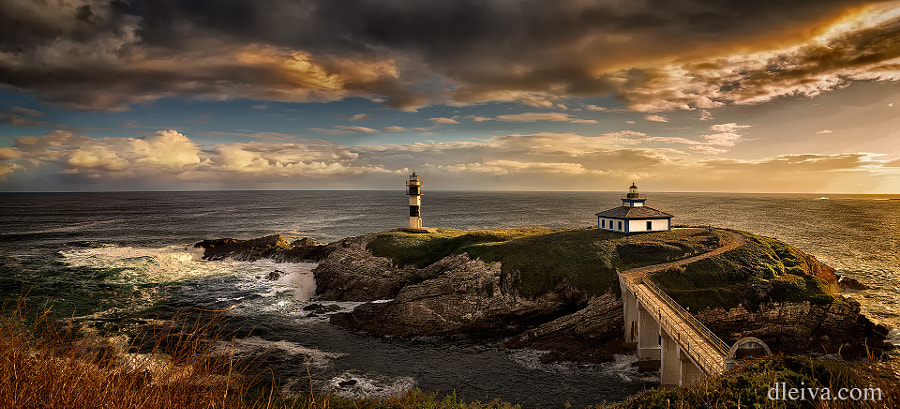 Isla Pancha Lighthouses, Ribadeo, Galicia, Spain by Domingo Leiva on 500px.com
