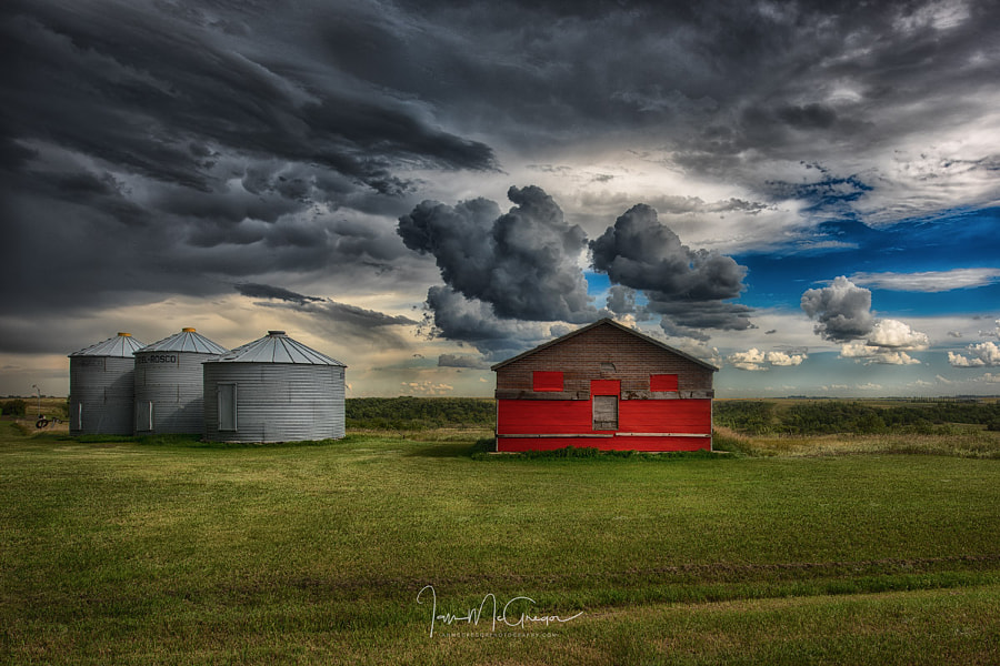 Red Under Grey by Ian McGregor on 500px.com