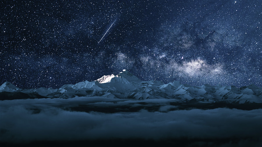 Meteor on Mount Qomolangma by bajie on 500px.com