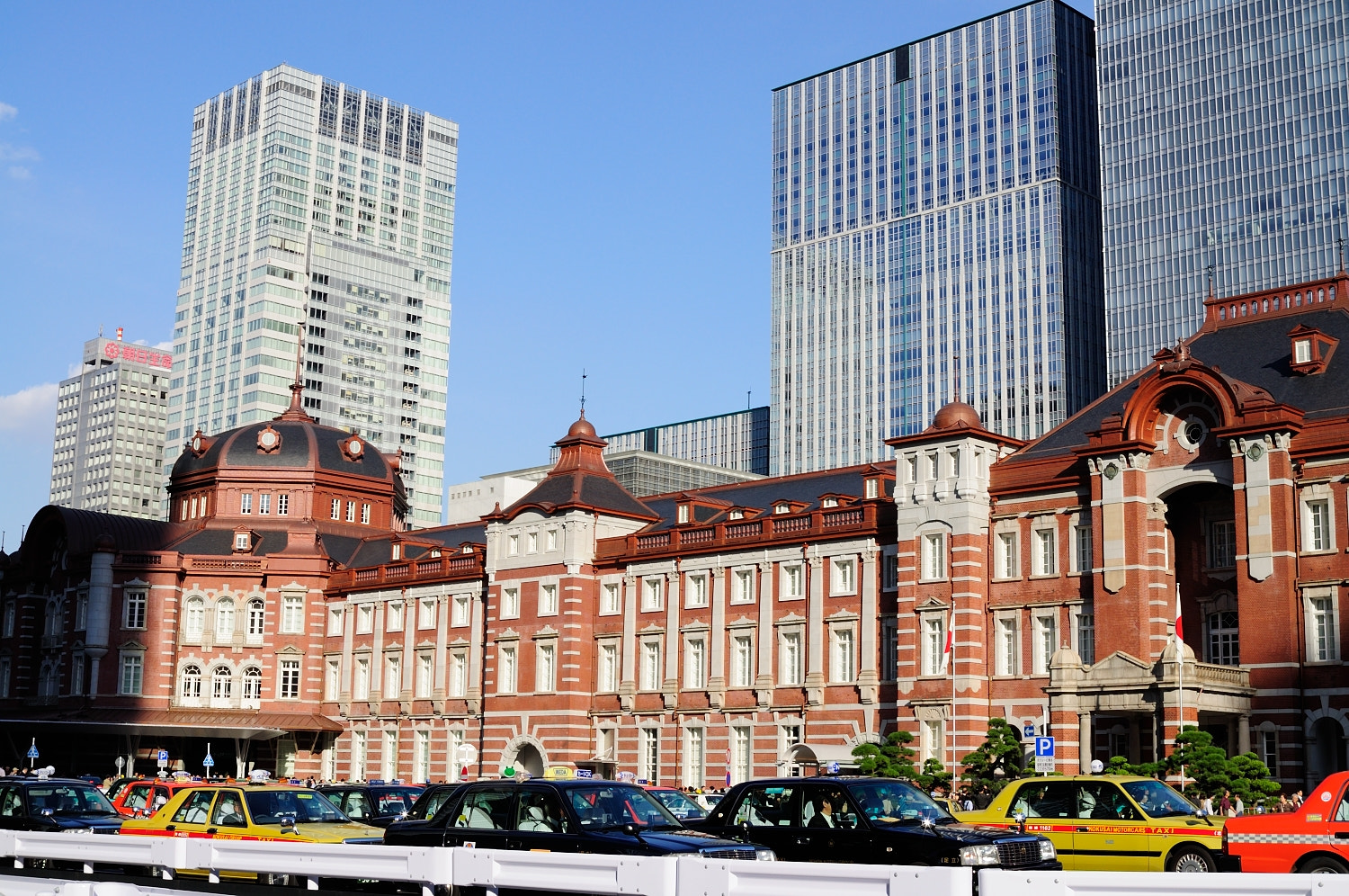 Photograph Tokyo Station by Naoyoshi Tamura on 500px