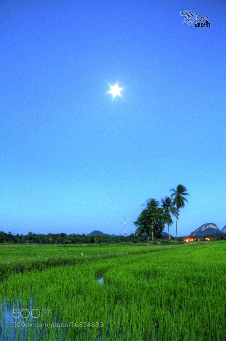 Photograph Moon or Star? by Anuar Che Hussin on 500px