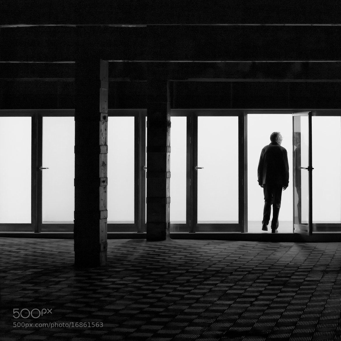 Photograph EXIT by Fermín Noain on 500px