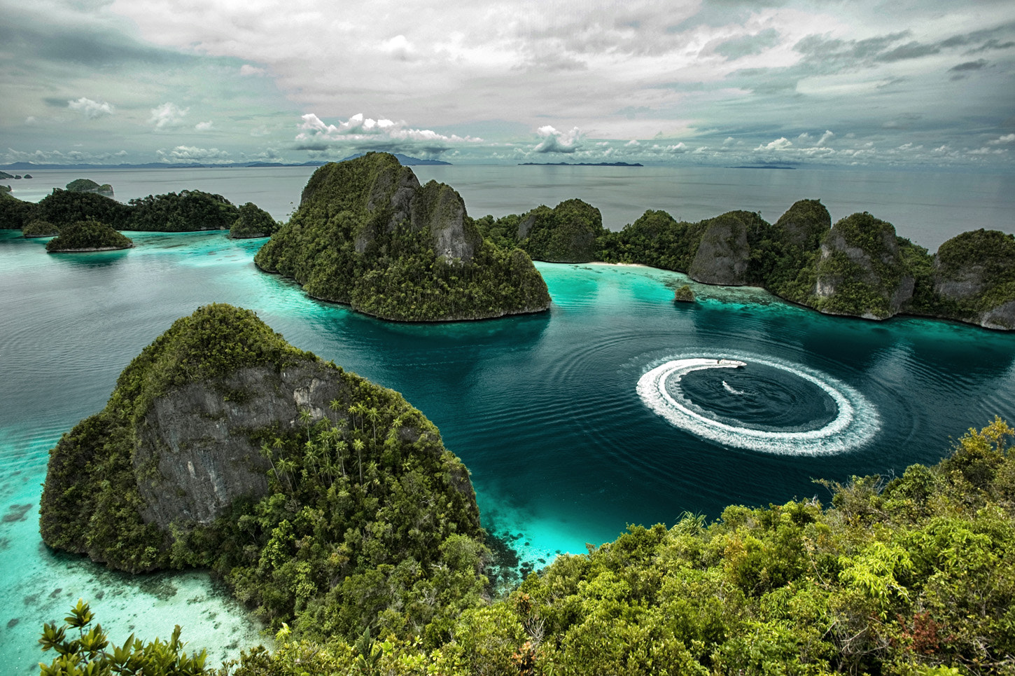 Photograph Manouver Boat at Raja Ampat by Ridwan Prasetyo on 500px