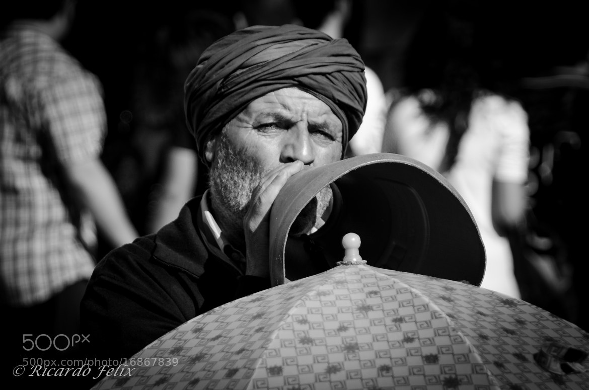 "Photograph Singer of ""Feira da Ladra"" by Ricardo Bahuto Felix on 500px"