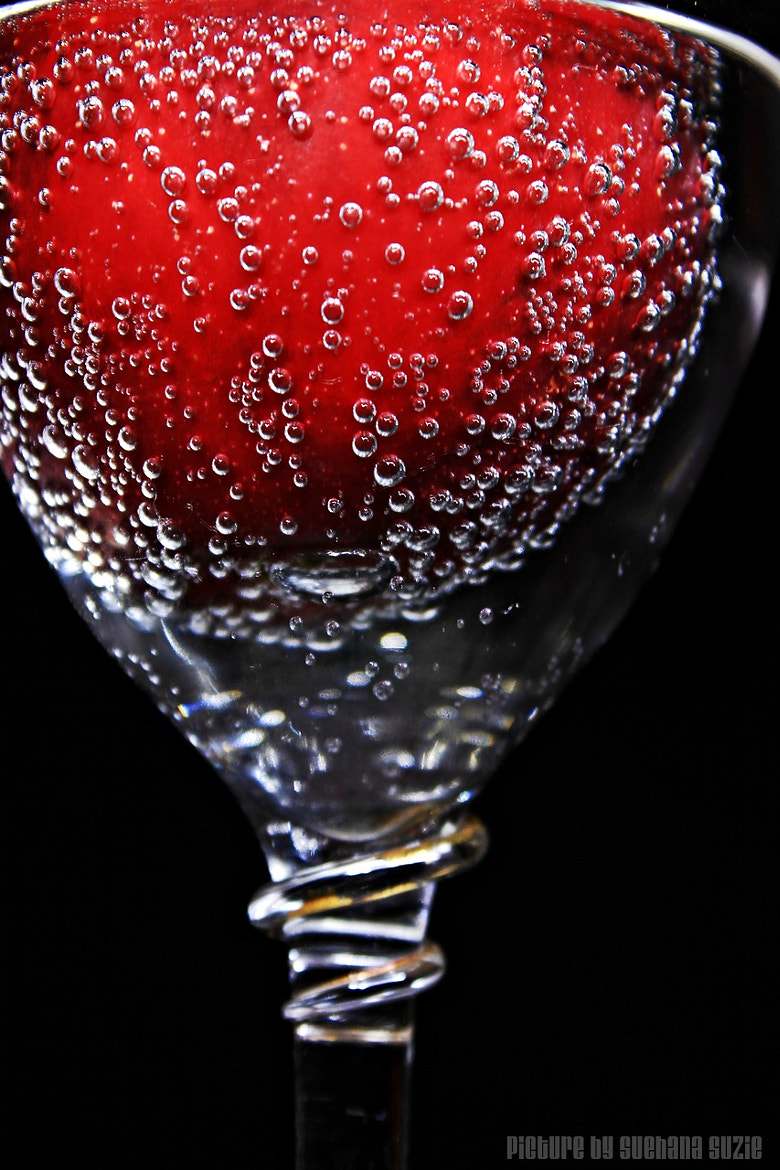 Photograph Apple and the Bubbles by Suehana Suzie on 500px