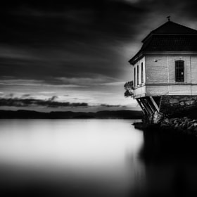 House by the Sea BW