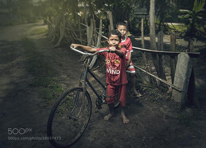 Photograph bocah kampung teratak by Teuku Jody  Zulkarnaen on 500px