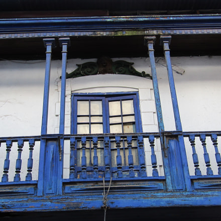 Old balcony in Cusco, Canon POWERSHOT SX420 IS
