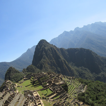 Arriving at Machu Picchu, Canon POWERSHOT SX420 IS