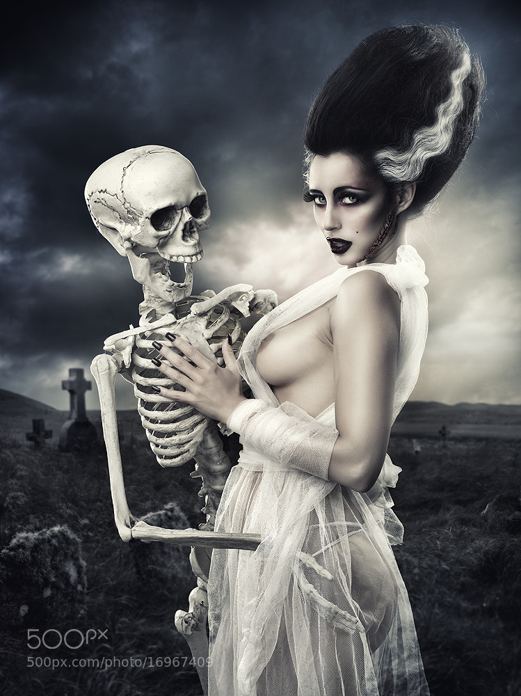 Photograph The bride of Frankenstein by Rebeca  Saray on 500px