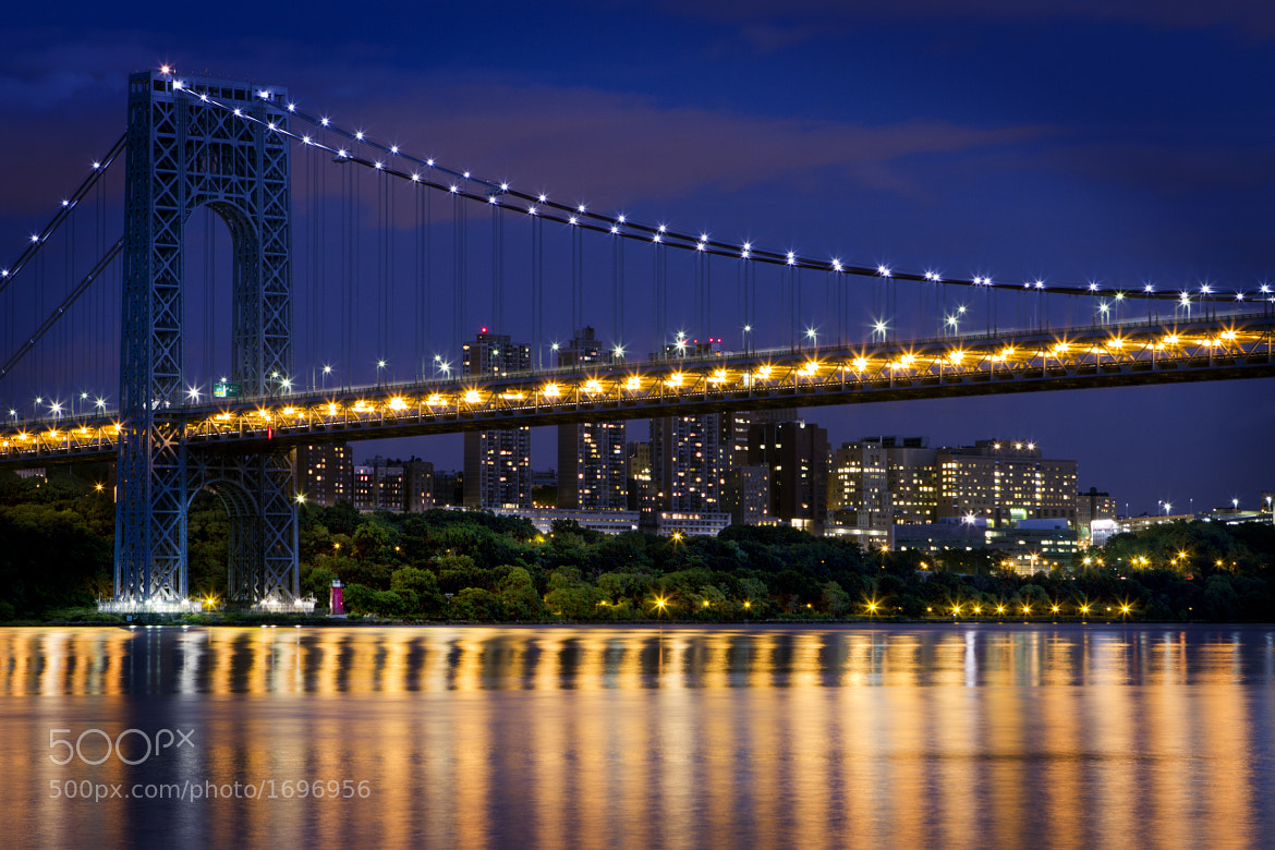 Photograph George at Night by Andy Sawieljew on 500px