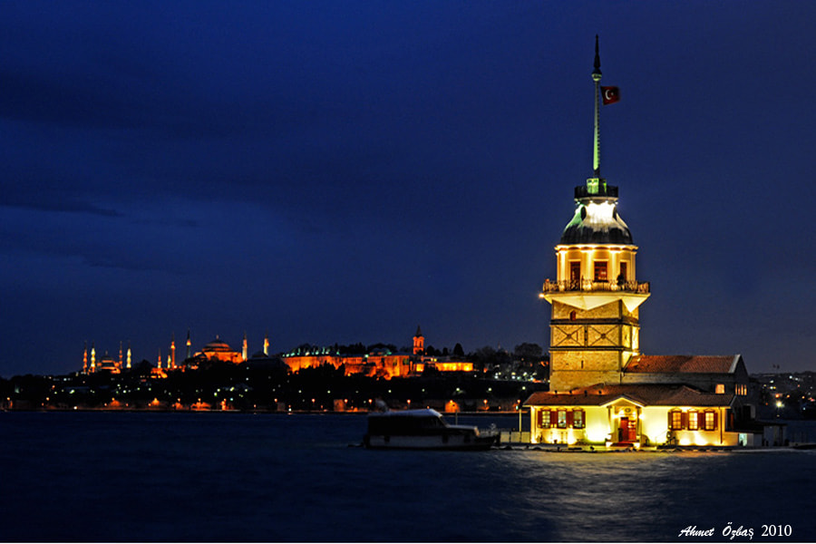 Photograph The Maiden's Tower by Ahmet Özbaş on 500px