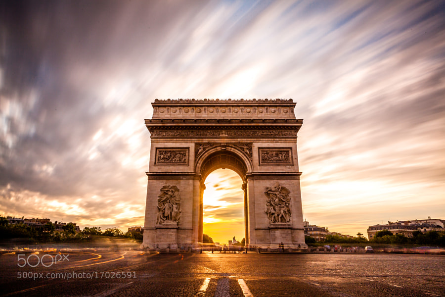 Photograph Coucher de l'Arc de Triomphe by Guillaume CHANSON on 500px