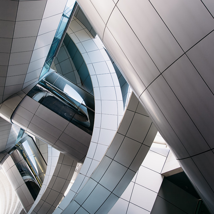 Photograph curves 'n lines by Jens Fersterra on 500px
