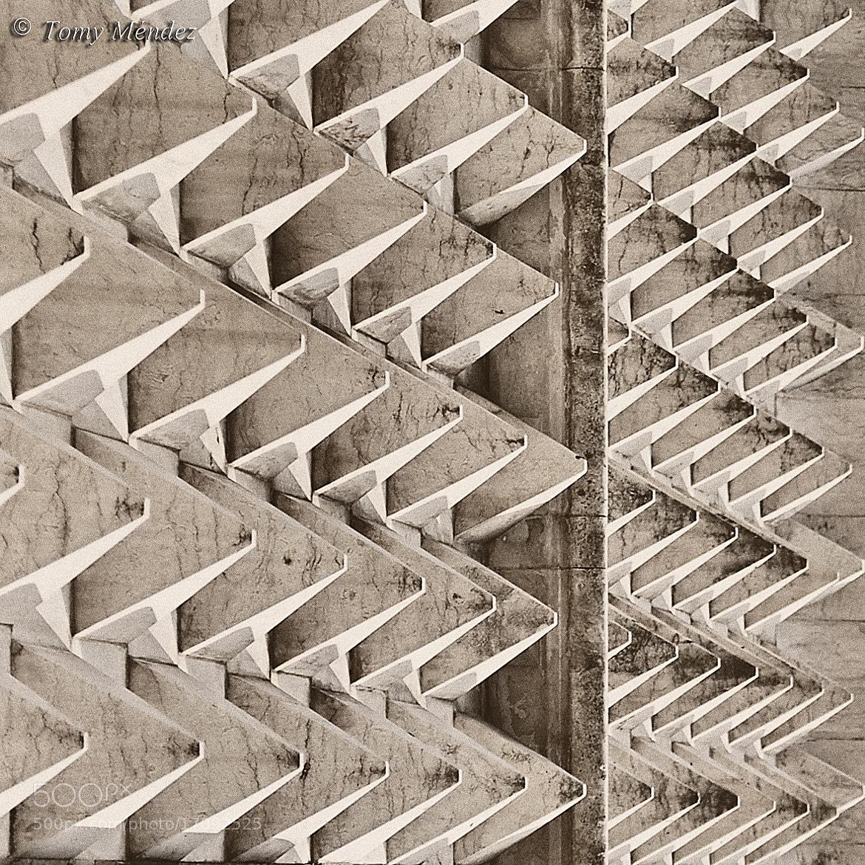 Photograph Detalle Casa dos Bicos (Lisboa) by Tomy Méndez on 500px
