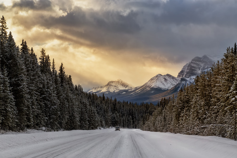 Sunrise on Icefields Parkway by Saptashaw Chakraborty on 500px.com